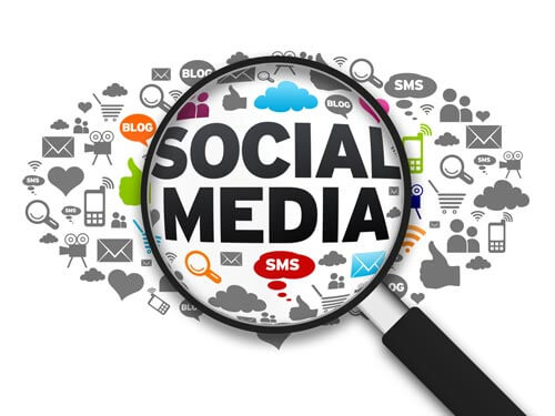 menggaet konsumen dengan sosial media