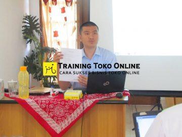 Bapak Sri Jabat Kaban narasumber training toko online