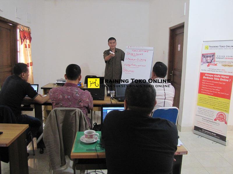 Diskusi Aktif Training Toko Online