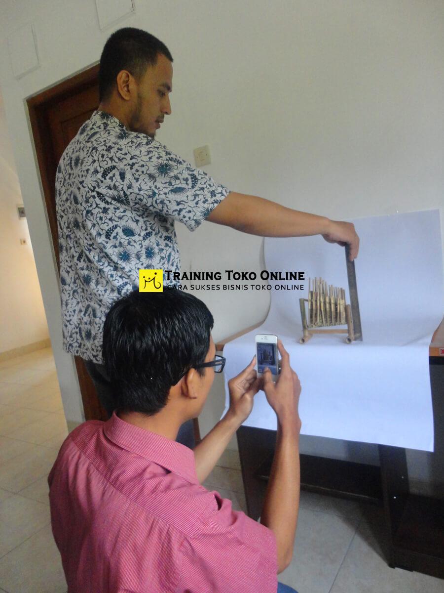 Praktek pengambilan foto produk