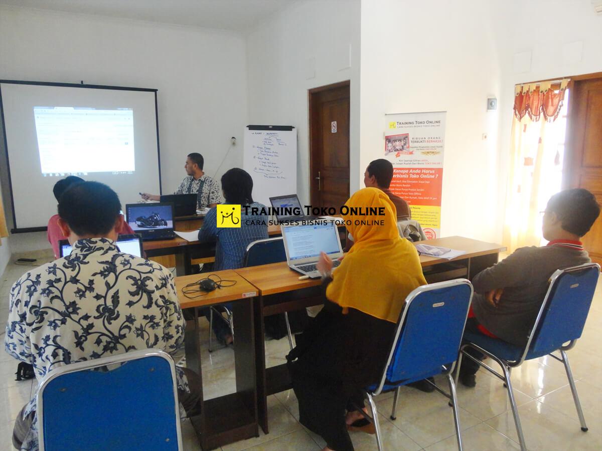 Training toko online angkatan ke-7
