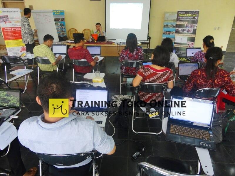 Workshop toko online di Yakkum